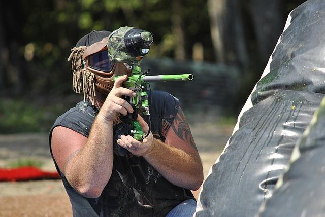 How To Aim a Paintball Gun